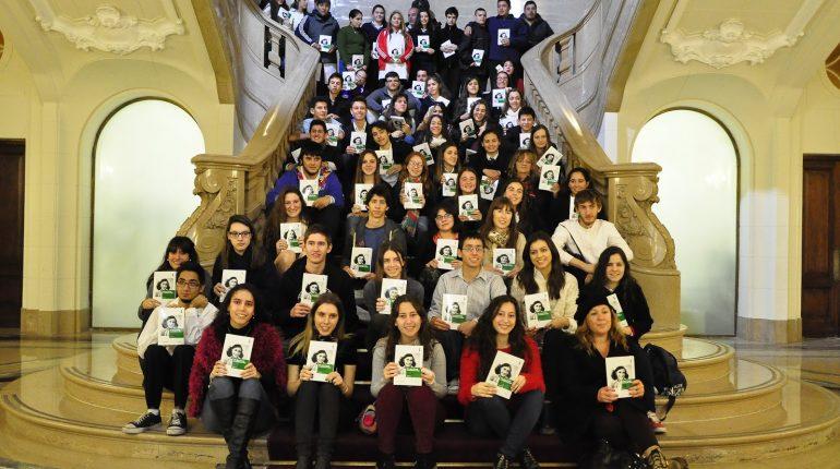 homenaje-86o-aniversario-ana-frank-en-legislatura-portena-1